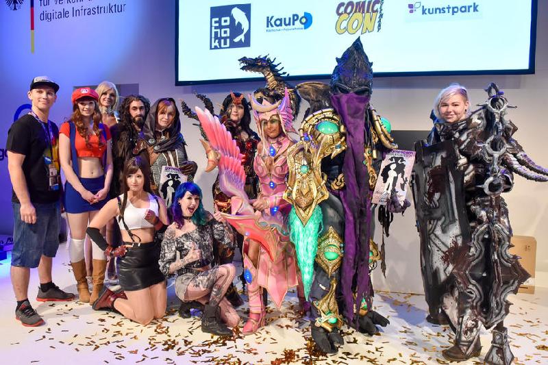 Косплееры на Gamescom 2015